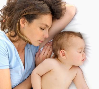 Allaitement, sommeil de la mère et sommeil de l'enfant